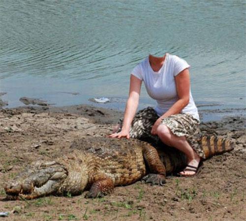 Женские шаблоны для фотошопа: Верхом на крокодиле