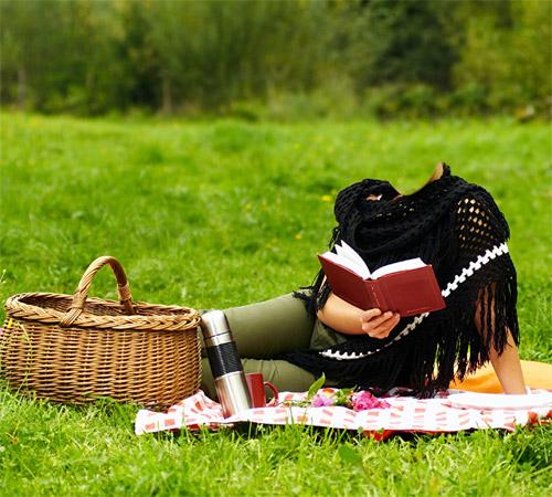 Женские шаблоны для фотошопа: С книгой на пикнике