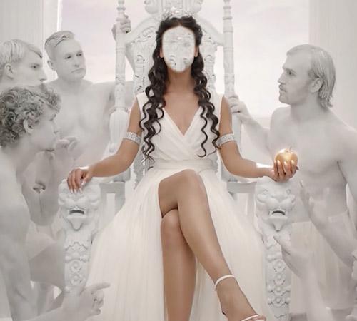 Женские шаблоны для фотошопа: На троне
