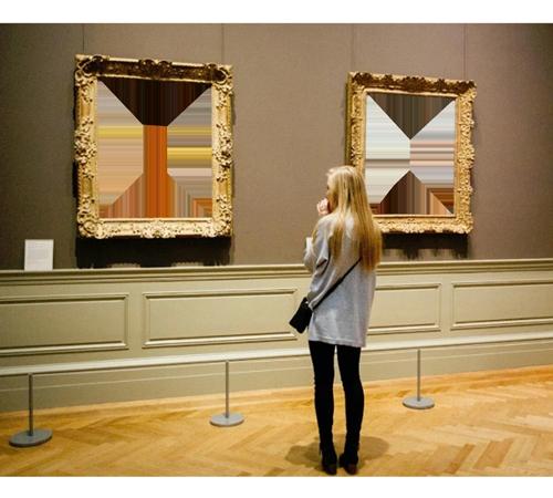 Женские рамки для фотошопа: Картина с Вами на выставке